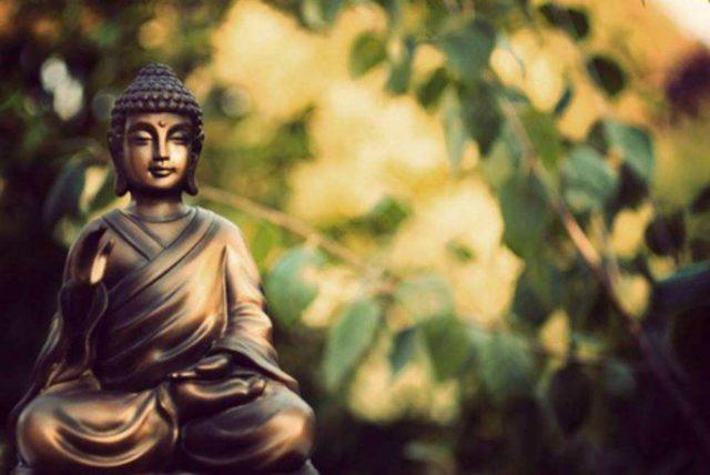 Hướng Phật thế nào đây?